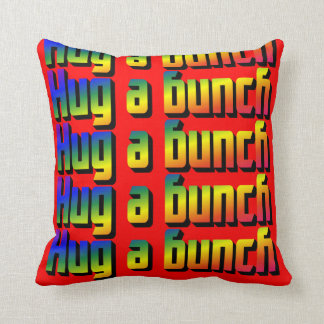 Abrace una almohada de tiro del manojo
