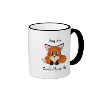 """""""Abráceme, no me cazan"""" Fox del bebé Tazas De Café"""