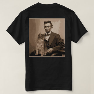 "Abraham Lincoln and his cat ""Dixie"". T-Shirt"