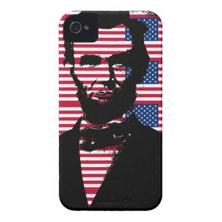 Abraham Lincoln con las banderas americanas Case-Mate iPhone 4 Fundas