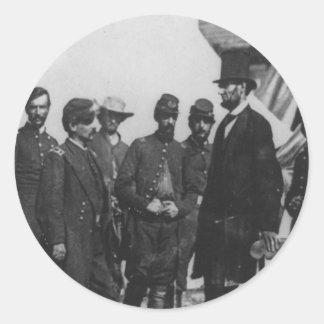 Abraham Lincoln en campo de batalla en Antietam Pegatina Redonda