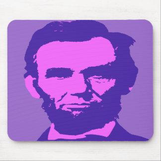 Abraham Lincoln en rosa y púrpura Tapetes De Ratón