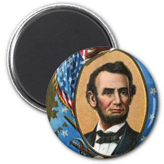 Abraham Lincoln Giving Gettysburg Address 2 Inch Round Magnet