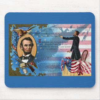 Abraham Lincoln que da la dirección de Gettysburg Tapete De Raton