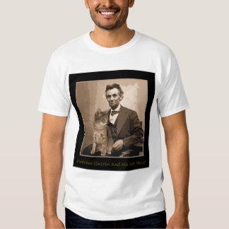 """Abraham Lincoln y """"Dixie"""" su gato Polera"""