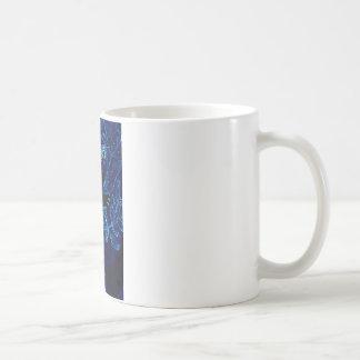 Abrazo azul del árbol de la koala taza de café