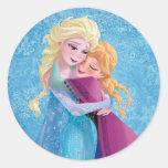 Abrazo de Ana y de Elsa Pegatina