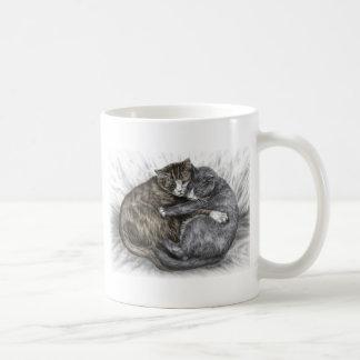 Abrazo de dormir de los gatos taza