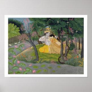 Abrazo de Radha y de Krishna en una arboleda del f Póster