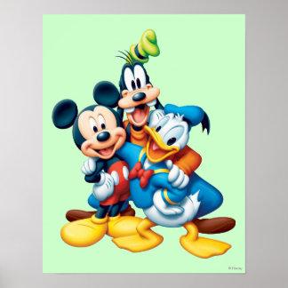 Abrazo del grupo de Mickey y de los amigos el | Póster