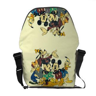 Abrazo del vintage de Mickey y de los amigos el | Bolsas De Mensajeria