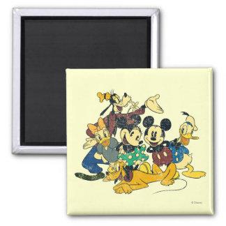 Abrazo del vintage de Mickey y de los amigos el | Imán Cuadrado
