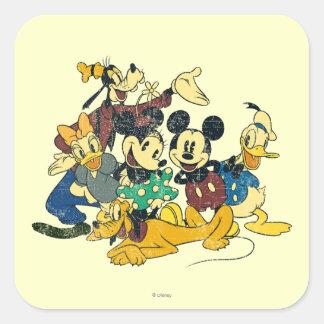 Abrazo del vintage de Mickey y de los amigos el   Pegatina Cuadrada