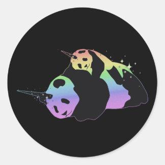 Abrazo mágica de la chispa de las pandas del unico pegatinas redondas