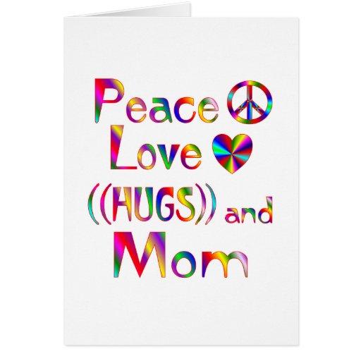 Abrazos de la mamá felicitacion