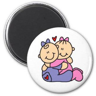 Abrazos del bebé imán para frigorífico