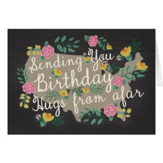 Abrazos lejos de la tarjeta de cumpleaños