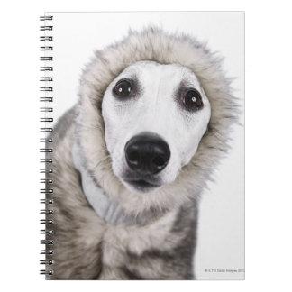Abrigo de pieles que lleva del perro de Whippet, t Libro De Apuntes Con Espiral
