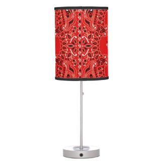 Abrigo rojo de la tela de la bufanda del pañuelo d lámpara de escritorio