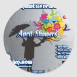 Abril-abril duchas pegatina redonda