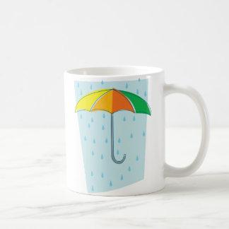 Abril riega el paraguas taza básica blanca