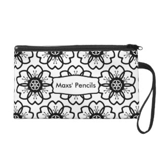 Abstract Black White Flower Doodle Heart Pattern. Wristlet Purse