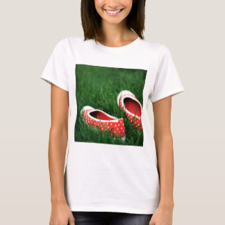 Abstract Cool Red Slip Shoes T-Shirt