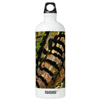 ABSTRACT DESIGN WITH FERNS AND SHADOWS ALUMINUM WATER BOTTLE