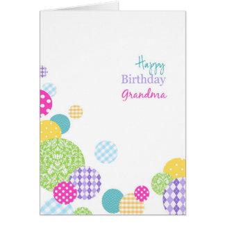 Abuela colorida del feliz cumpleaños de los puntos tarjeta de felicitación