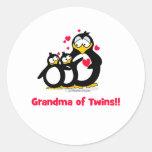 Abuela de gemelos etiqueta redonda