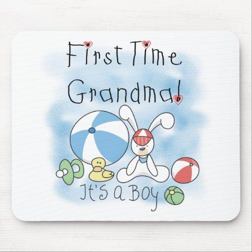 Abuela de la primera vez de las camisetas y de los tapete de ratón
