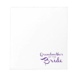 Abuela de la púrpura de la novia en blanco bloc de papel