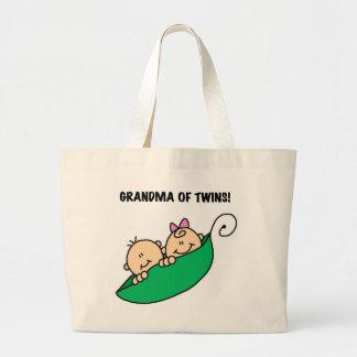 Abuela de los guisantes de los gemelos en camiseta bolsas