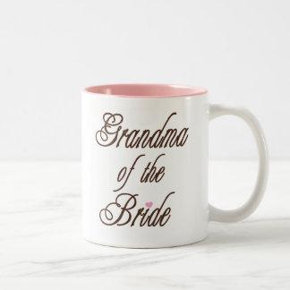Abuela de los marrones con clase de la novia taza dos tonos