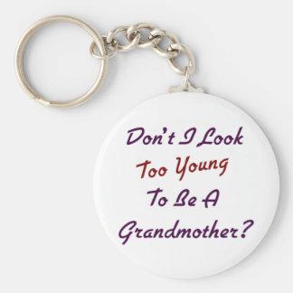 Abuela demasiado joven llaveros personalizados