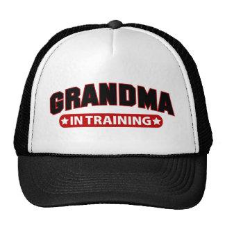 Abuela en el entrenamiento gorros