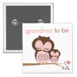 Abuela orgullosa a ser y búho de la niña pin cuadrada 5 cm
