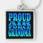 Abuela orgullosa de la fuerza aérea llaveros