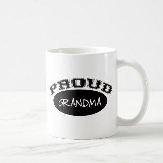 Abuela orgullosa (negro) taza de café