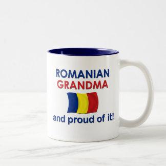 Abuela rumana orgullosa taza de café de dos colores