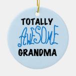 Abuela totalmente impresionante - camisetas y rega adorno de navidad