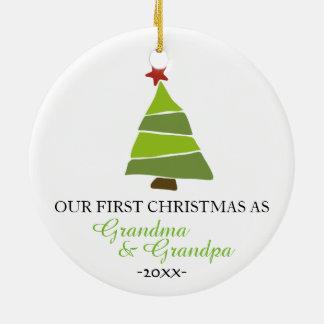 Abuela y abuelo del ornamento del árbol de navidad adorno navideño redondo de cerámica