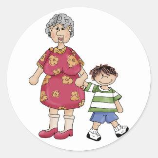 Abuela y nieto (diseños del abuelo) pegatina redonda