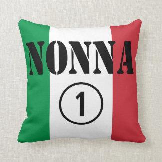 Abuelas italianas: Uno de Nonna Numero Cojín Decorativo