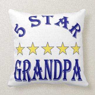 Abuelo de cinco estrellas almohada