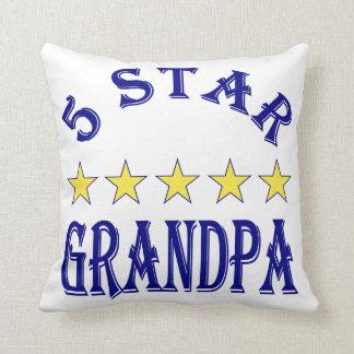 Abuelo de cinco estrellas cojin