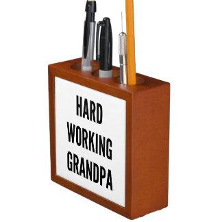 Abuelo de trabajo duro