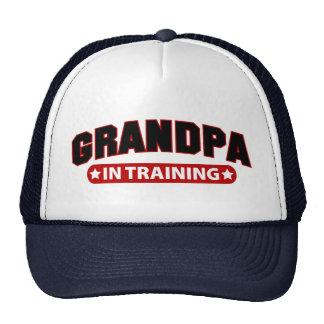 Abuelo en el entrenamiento gorras de camionero