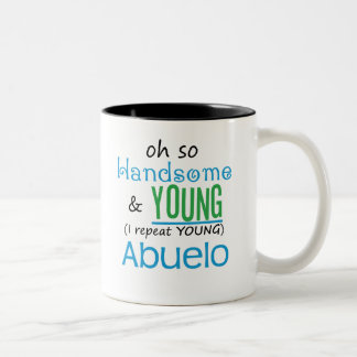 Abuelo hermoso y joven tazas