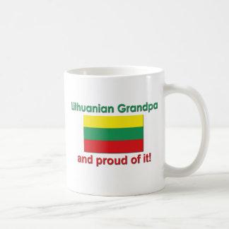 Abuelo lituano orgulloso taza clásica